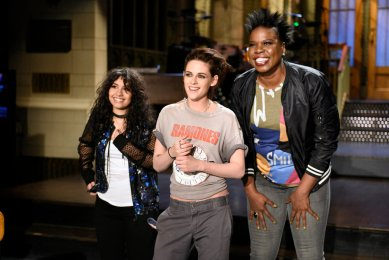 "SATURDAY NIGHT LIVE -- ""Kristen Stewart"" Episode 1717 -- Pictured: (l-r) Musical guest Alessia Cara, host Kristen Stewart, and Leslie Jones pose on February 2, 2017 -- (Photo by: Rosalind O'Connor/NBC)"